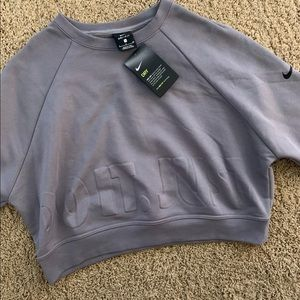 NWT Nike just do it cropped sweater